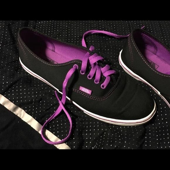 Vans black   purple sneakers- excellent condition.  M 5b5fb7e604ef5086626519fb 733bedd61